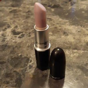 "MAC Lipstick ""Lazy Lullaby"""